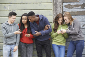 5 High-Tech Ways to Connect Teenagers to the Bible